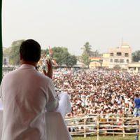 बिहार चुनाव: राहुल गांधी ने कहा- मोदी ने 2 करोड़ रोज़गार का वादा किया था, नीतीश रोज़गार मांगने वालों को पिटवा रहे हैं