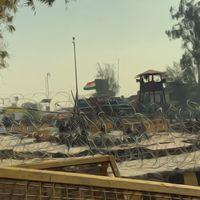 दिल्ली पुलिस ने सिंघू बॉर्डर को किले में बदला, तो क्या हुआ