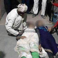 उत्तर प्रदेश : खेत में बेहोश मिली तीन दलित लड़कियां, दो की मौत, एक की हालत गंभीर