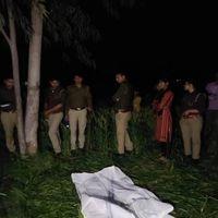 उत्तर प्रदेश : अलीगढ़ में गेहूं के खेत में मिला किशोरी का शव, बलात्कार के बाद हत्या की आशंका