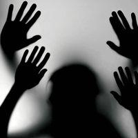 आगरा : महिला के साथ पति के सामने गैंगरेप, 100 घंटे बाद भी फरार हैं दो आरोपी