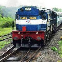 मुंबई से प्रवासी मजदूरों को घर पुहंचाने के लिए और ट्रेनें चलाएगा रेलवे