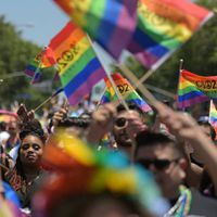 Pride Month   അവർ രോഗികളല്ല, രക്ഷിതാക്കൾ LGBTQ+നെ മനസിലാക്കുകയാണ് വേണ്ടത്; ഡോ. അശ്വിൻ അഭിമുഖം