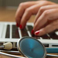 मेडिकल छात्रों को स्टाइपेंड फिक्सिंग करने के एनएमसी के नए ड्राफ्ट का विरोध