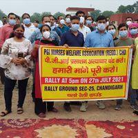 पीजीआई चंडीगढ़ नर्सिंग स्टाफ का पीजीआई प्रशासन पर शोषण और अनदेखी का आरोप लगा प्रदर्शन जारी