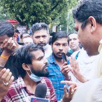 """""""मैंने फैसला किया कि मैं शरीर पर घाव खा लूंगा, लेकिन अपने जमीर पर घाव नहीं खाऊंगा,"""" जबरदस्ती 'जय श्रीराम' के नारे लगवाने पर बोले पत्रकार अनमोल"""